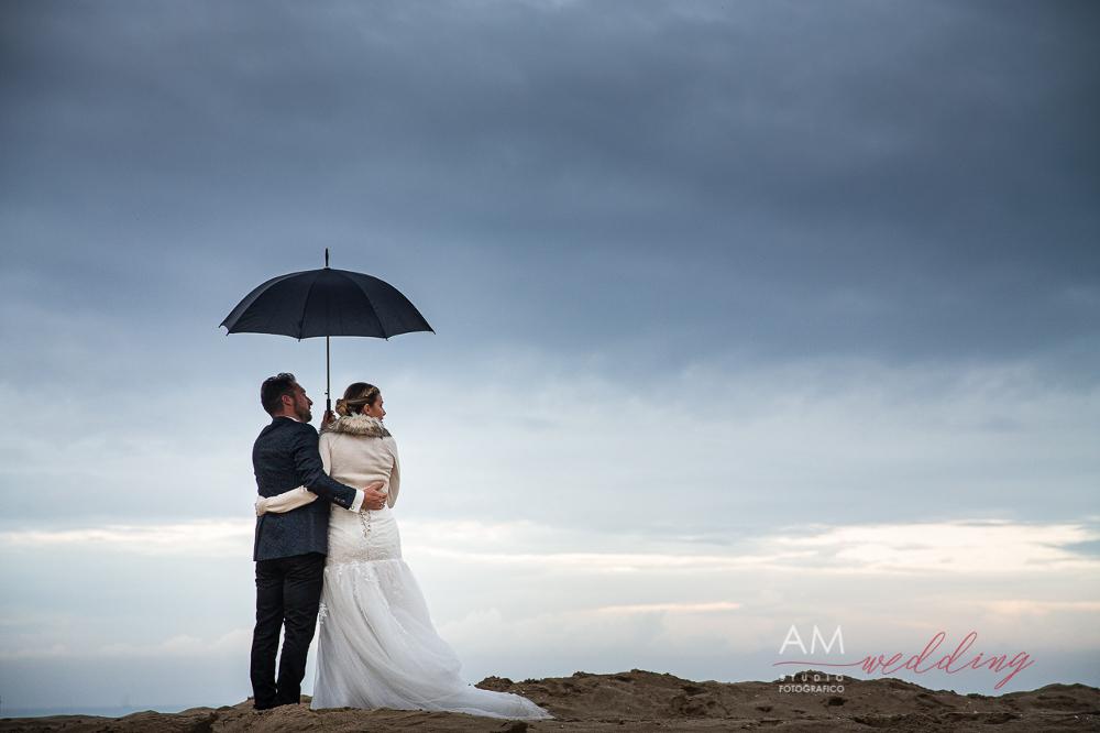 foto sposi pioggia